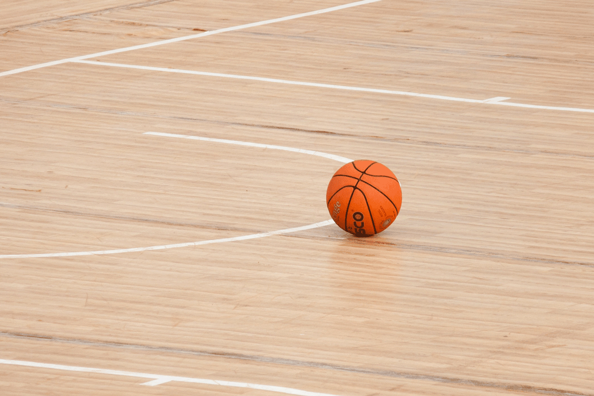 reading-the-plays-what-does-women-s-basketball-tell-us-about-timesup